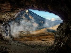 cave-288459_1280